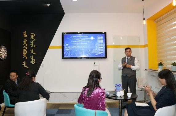 С.Батболд: Монгол тээвэрчид 15 улсад тээвэр хийх боломжтой