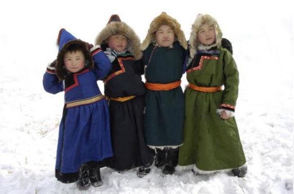 """Буриадууд бид чинь хэн юм бэ? Монголчууд уу, эсвэл """"Эрхэм оросууд"""" уу"""
