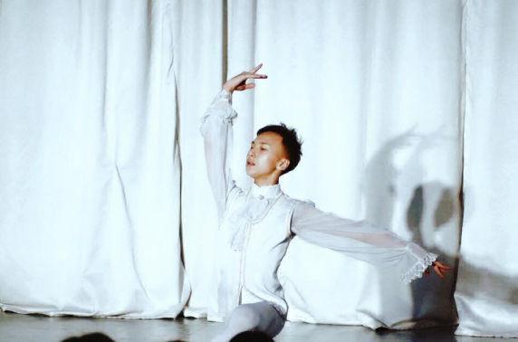 """""""World Ballet Grand Prix"""" олон улсын балетын тэмцээнээс М.Тэлмэн алтан медаль хүртлээ"""