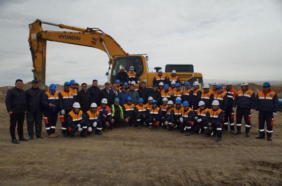 Баянхонгор аймгаас Говь-Алтай чиглэлийн авто замын барилгын ажил эхэллээ