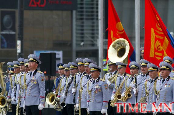ФОТО: Төрийн далбааны өдөрт зориулсан хүндэтгэлийн ёслол