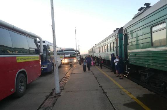 Замын-Үүд чиглэлд нэмэлт галт тэрэг явж эхэллээ