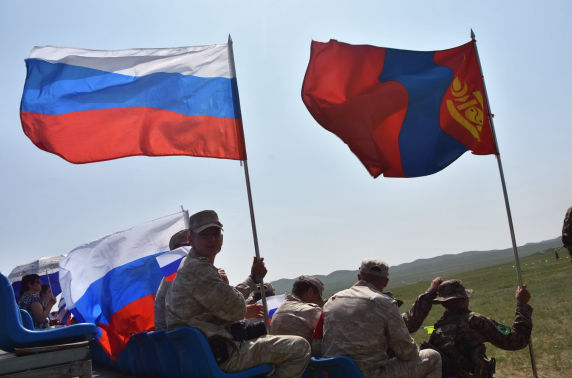 """Фото: """"Аравт"""" морин цэргийн уралдаан"""