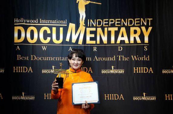 Холливудын шагналт монгол эмэгтэйн кино: Нүүдэлчийн өрхийн эмч