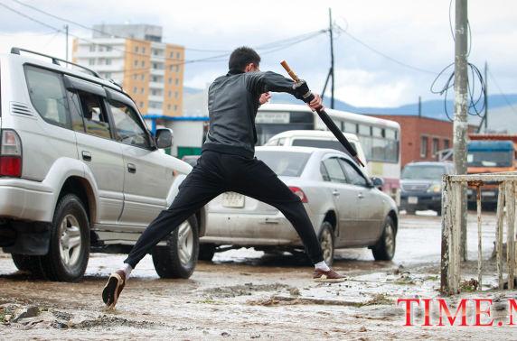 ФОТО: Улаанбаатарчууд ба бороо