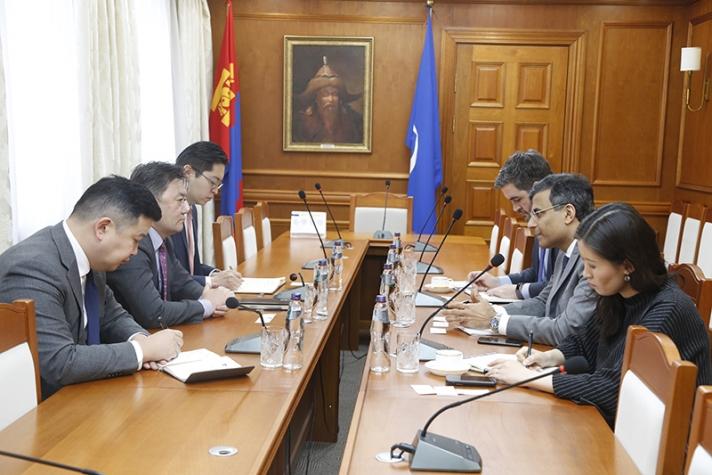 АХБ: Монголын банк, санхүүгийн системийг шинэчлэхэд хамтран ажиллахад бэлэн байна
