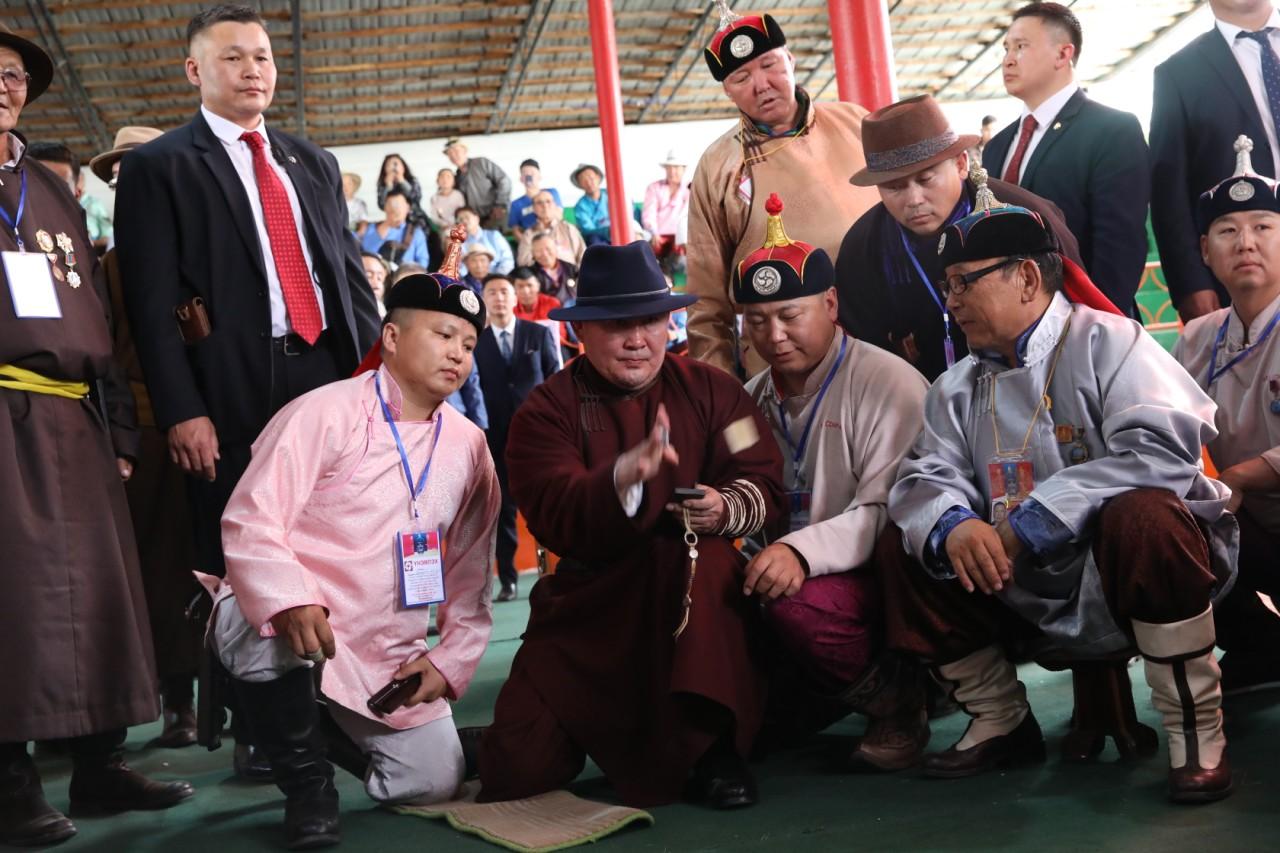 Монгол Улсын Ерөнхийлөгч Х.Баттулга шагайн асраар зочиллоо