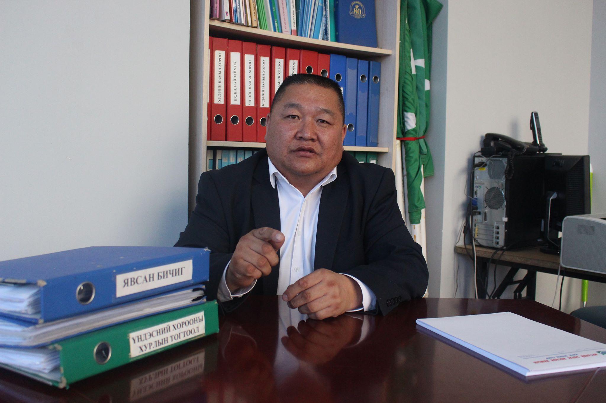 С.Батбаатар: Хятадууд Халх гол орчмоос хадлан нэрээр эмийн ургамал түүж, хилээр гаргаж байна