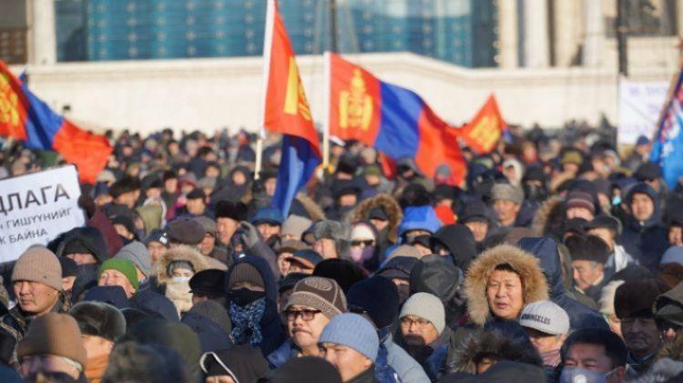 Монголын үндэсний фронтын жагсаалыг хойшлуулжээ