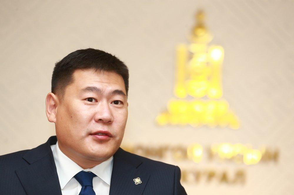 Л.Оюун-Эрдэнэ: Худлаа ярьдаг ах нараас Монголын төрийг цэвэрлэх юм сан