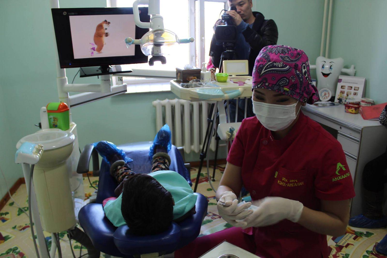 Хүүхдийн шүд ҮНЭГҮЙ эмчлэх эмнэлгүүдийн ХАЯГ, утасны дугаар, жагсаалт